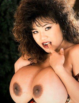Mature Tits Porn
